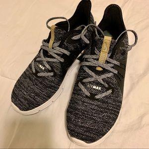 Nike Woman's Air Max Shoes